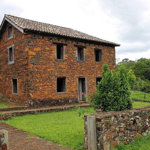 Casas de Pedra Nono Luigi