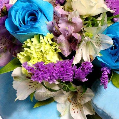 Buquê de Mix de Flores com Alfomada Encanto de Garoto