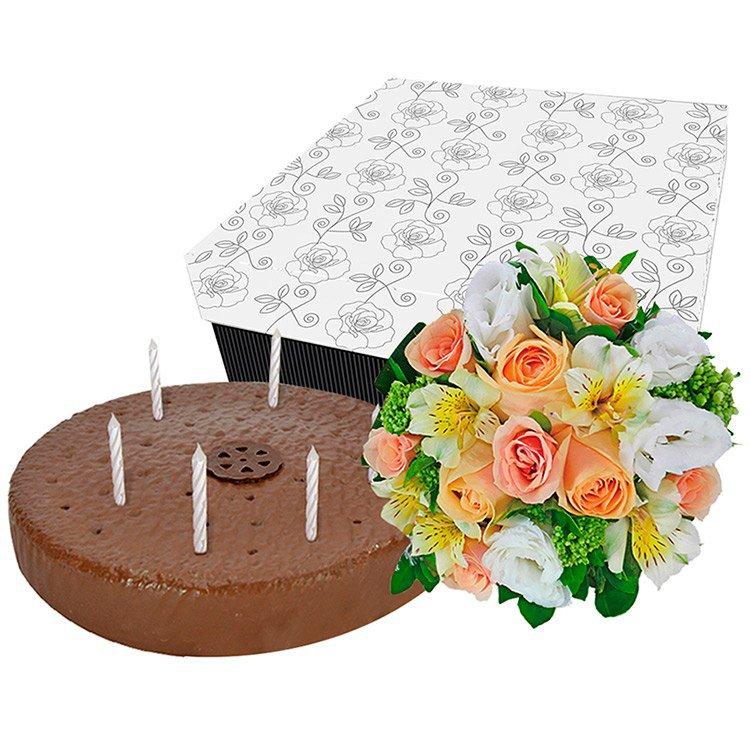Flores Nobres com Bolo de Aniversário