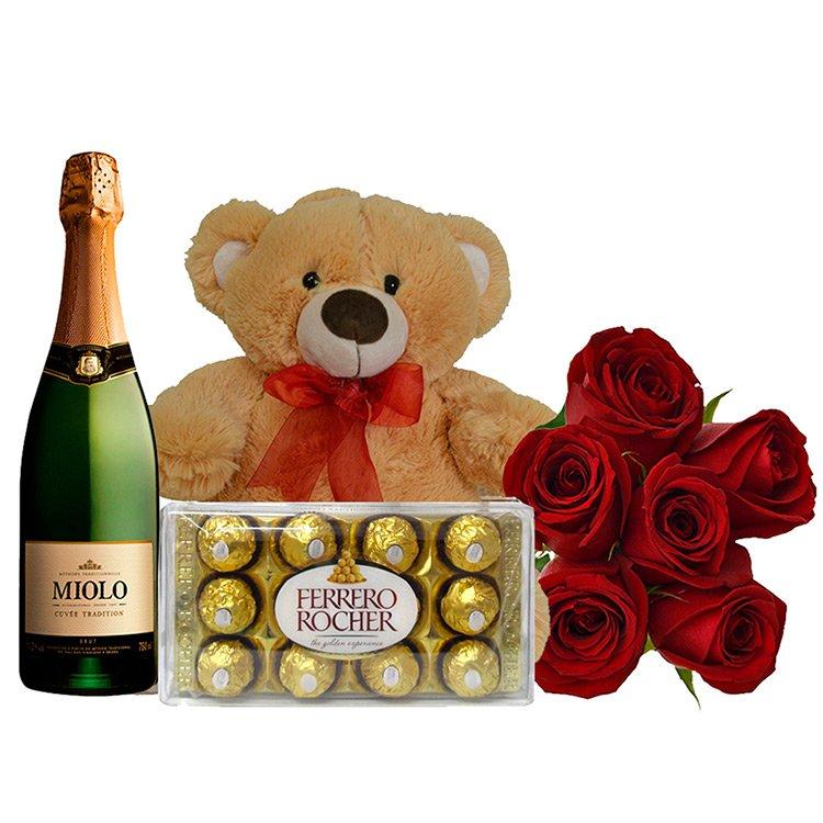 Buquê de 6 Rosas Vermelhas com Espumante, Ferrero Rocher e Pelúcia