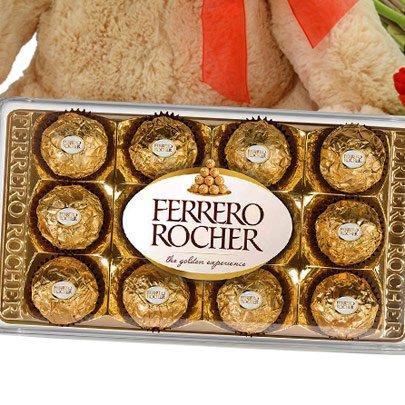 Buquê de 8 Gerberas Vermelhas, Chocolate e Pelúcia