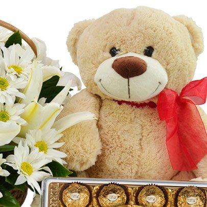 Mix de Flores Brancas com Pelúcia e Chocolate