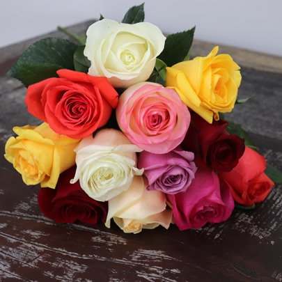 Buquê de Rosas Coloridas com 12 Unidades