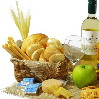 Kit de Vinho Branco e Delícias