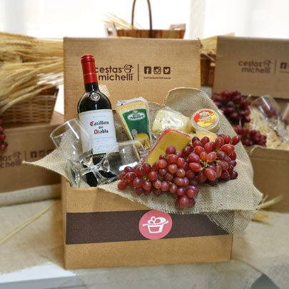 Cesta de Queijos e Vinho Box