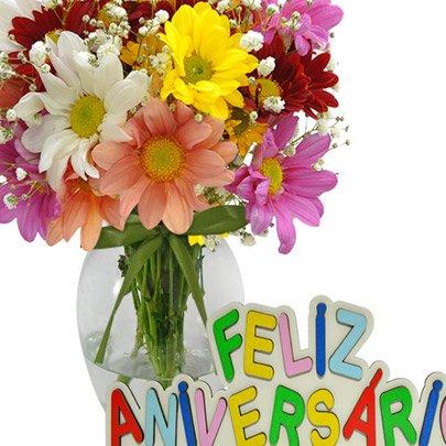 Delicado Mix de Flores Feliz Aniversário
