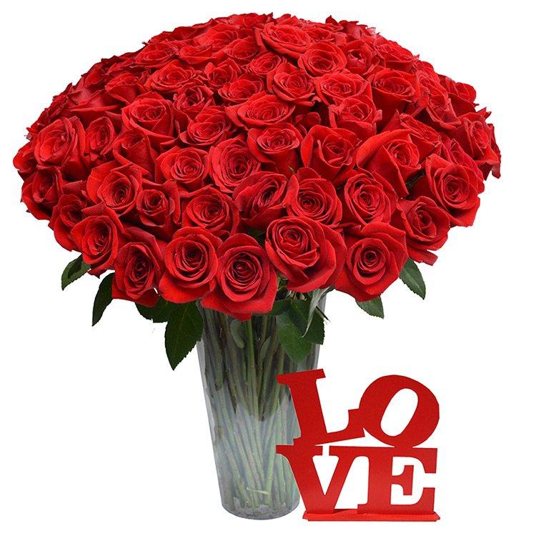 Luxuosas Rosas e Placa Love