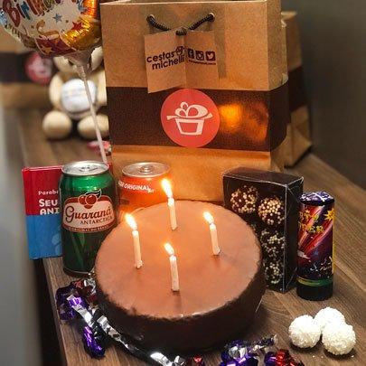 Kit para Aniversário na Sacola Kraft