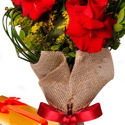 Arranjo 3 Lindas Rosas e Caixa de Chocolate