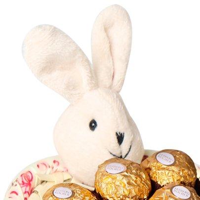 Cestinha Coelinho da Páscoa com Ferrero