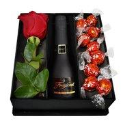 Kit de Chocolates Lindt, Rosa e Espumante Freixenet