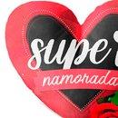 Buquê de 2 Rosas Vermelhas E Almofada Super Namorada