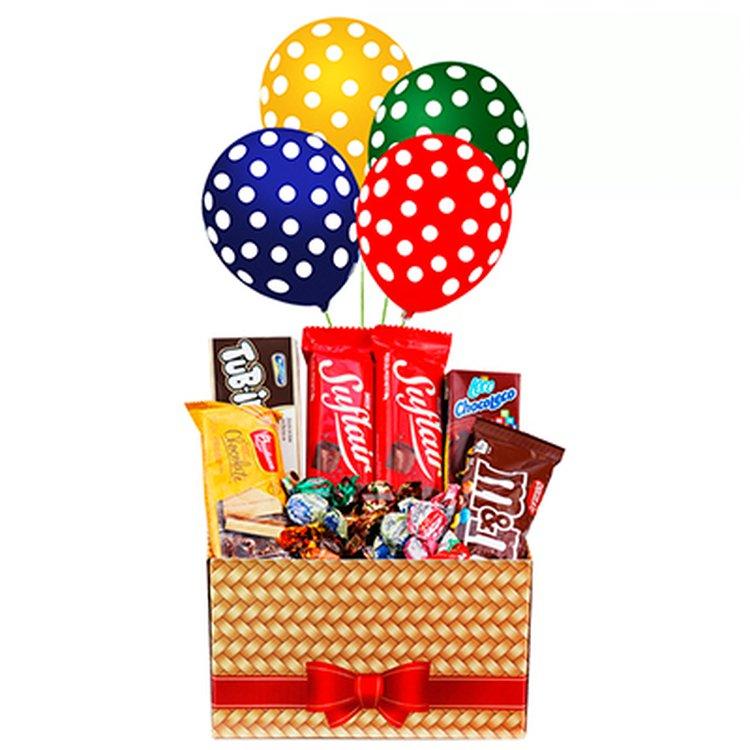 Cesta Doces e Chocolates com Balão