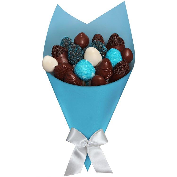 Buquê de Morango e Chocolate Azul